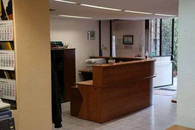 locali-e-attivita-commerciali-torino-magazzinoufficio-4-garage-96693e8112481a44b6327078a8664235