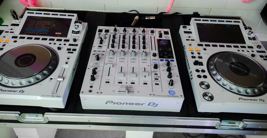 Pioneer-CDJ3000Whitea